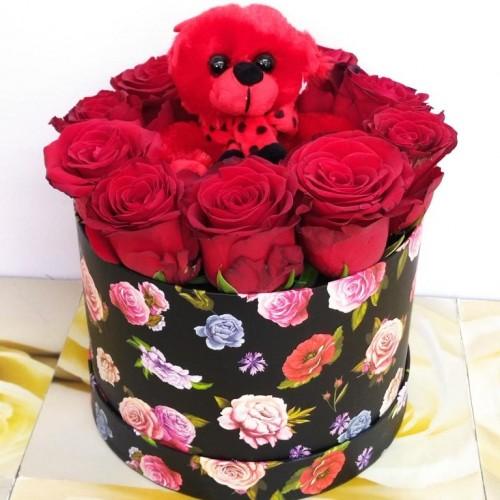 BOX  Κόκκινα Τριαντάφυλλα με λούτρινο