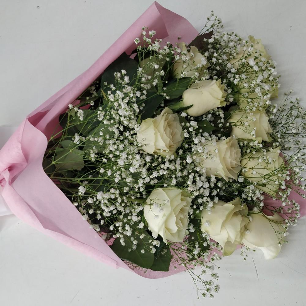 Ανθοδέσμη λευκά τριαντάφυλλα