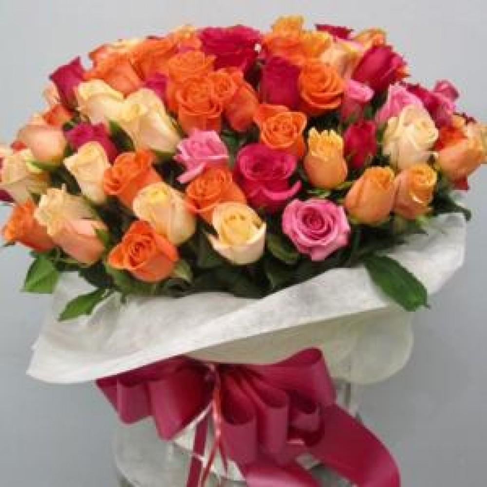 Μπουκέτο χρωματιστά τριαντάφυλλα